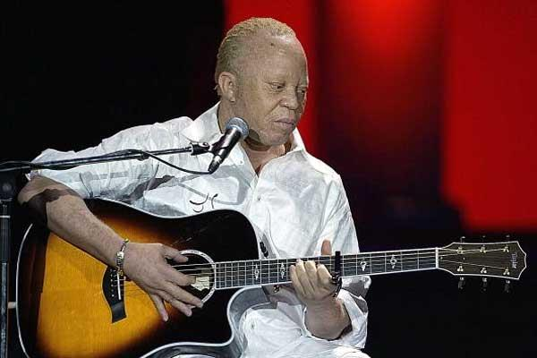 Salif Keita performing at the IAF Gala (Getty Images)