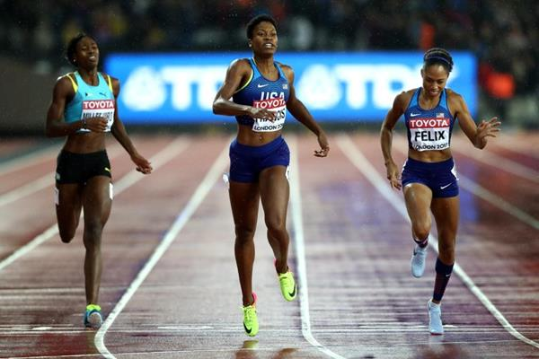 Phyllis Francis takes an upset 400m victory at the IAAF World Championships London 2017 (Getty Images)