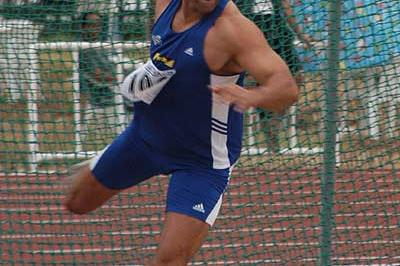 World champion Lars Riedel throwing in Algers (IAAF)