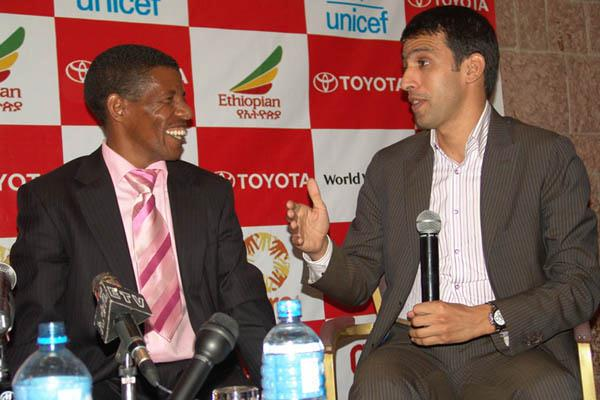 Haile Gebrselassie and Hicham El Guerrouj share a laugh prior to the Great Ethiopian Run (Nahom Tesfaye)