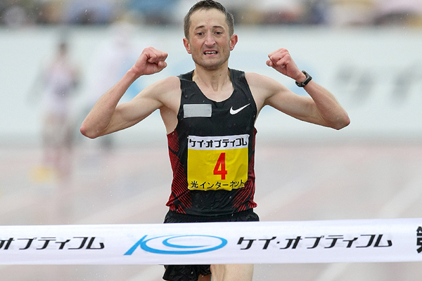 Poland's Henryk Szost at the 2012 Lake Biwa Marathon (Victah Sailer)