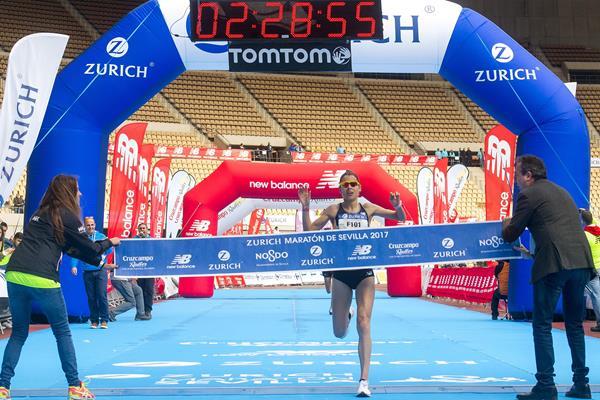 Paula Gonzalez winning the Seville Marathon (Juan Jose Ubeda/organisers)