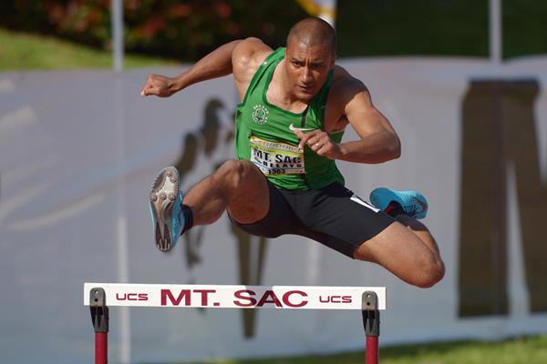 US all-round talent Ashton Eaton in his debut 400m hurdles race (Kirby Lee)