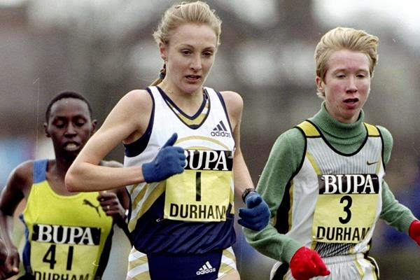 Paula Radcliffe and Annemari Sandell lead the women's race at the Great North Cross Country in Durham (Getty Images)