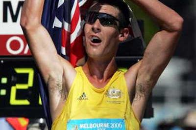 Nathan Deakes (AUS) celebrates his 20km Race Walk win - Melbourne (Getty Images)