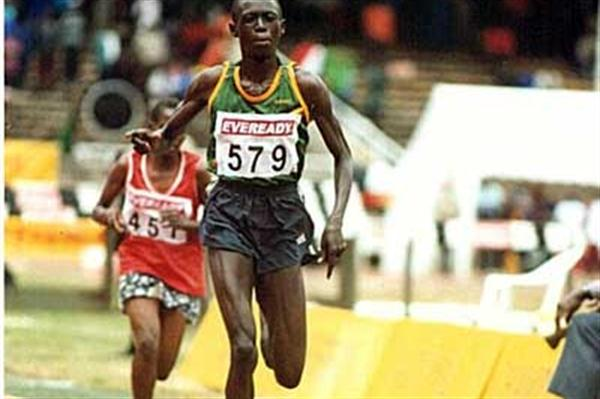 Selina Kosgei sprints home in 2003 Kenyan Champs 10,000m (Omulo Okoth)