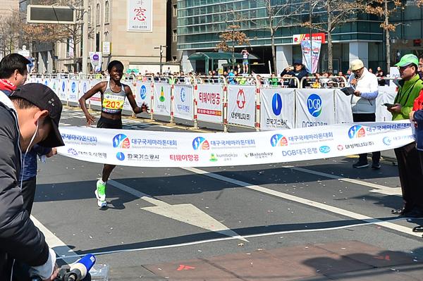 Pamela Rotich wins the Daegu Marathon (Organisers)