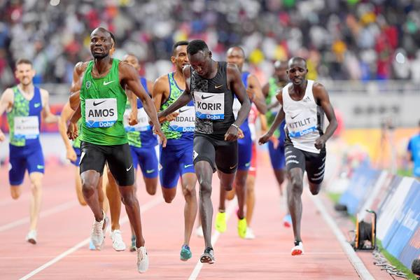 Nijel Amos wins the 800m at the IAAF Diamond League meeting in Doha (Jiro Mochizuki)