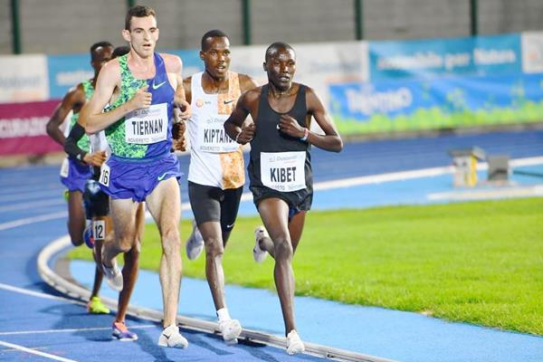 Michael Kibet on his way to winning the 5000m in Rovereto (Marco Volcan)