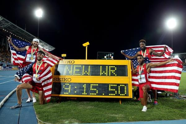 USA with their world record figures from the distance medley at the IAAF/BTC World Relays, Bahamas 2015 (Getty Images)
