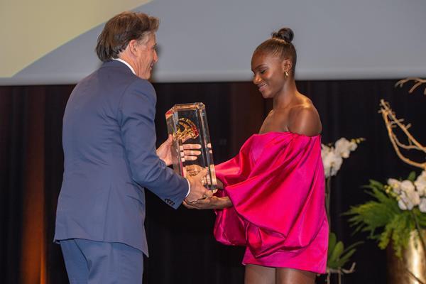 IAAF President Sebastian Coe presents the Female European Athlete of the Year award to Dina Asher-Smith (European Athletics via Getty Images)