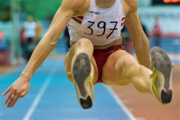 Karolina Tyminska en route to the Polish long jump title (Adam Nurkiewicz/Mediasport)