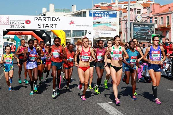 Women's start at the 2015 EDP Lisbon Half Marathon (Victah Sailer / Photorun.com)