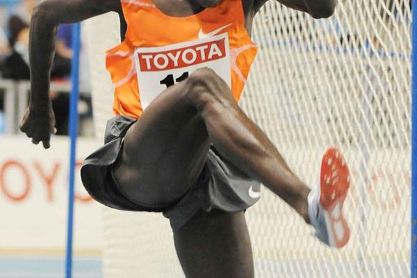 Paul Kipsiele Koech takes full advantage of rare indoor steeplechase opportunity in Gent (Nadia Verhoft)
