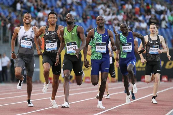 Donavan Brazier and Nijel Amos battle for position in the homestretch of the 800m at the IAAF Diamond League meeting in Rome (Jean-Pierre Durand)