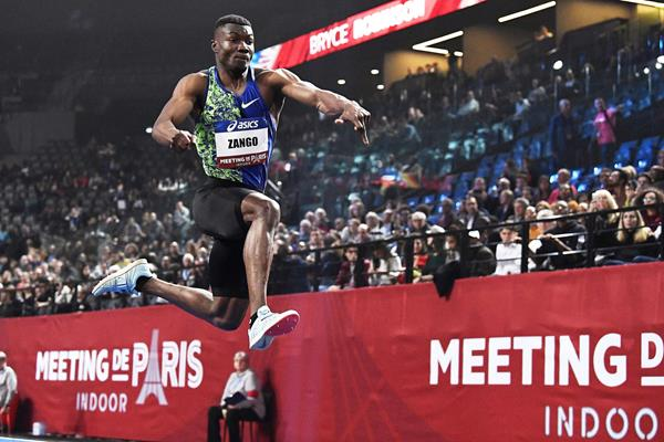 Hugues-Fabrice Zango in the triple jump at the Meeting de Paris (KMSP / FFA)