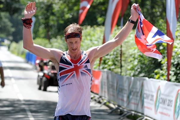 Ricky Lightfoot wins the 2013 IAU Trail World Championships (Organisers)