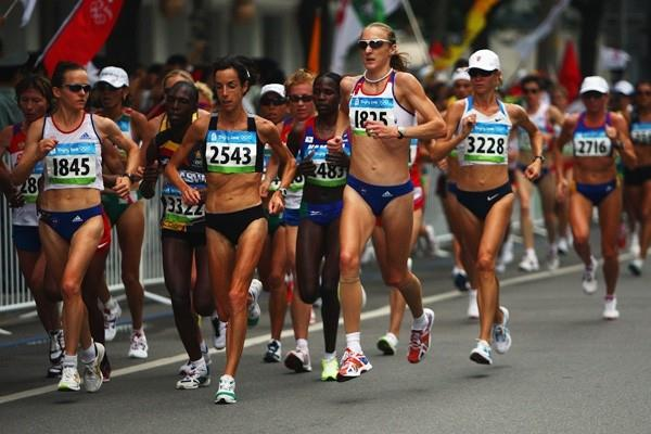 Mara Yamauchi, Nina Rillstone and Paula Radcliffe in action during the women's Olympic marathon in Beijing (Getty Images)