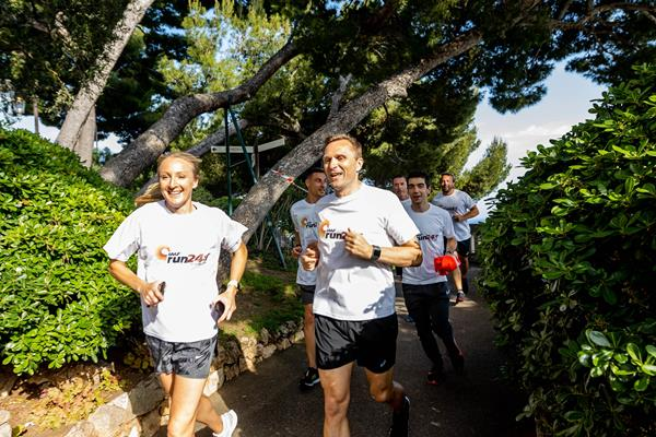IAAF Ambassador Paula Radcliffe and IAAF CEO Jon Ridgeon at the Athletics Family Mile Run in Monaco (Robert Palomba)