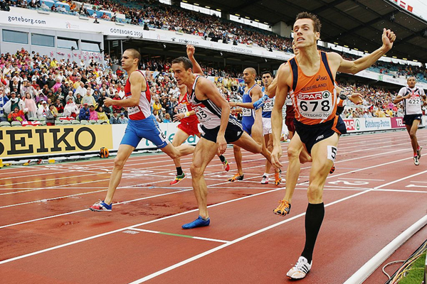 Bram Som wins the 2006 European 800m title (Getty Images)