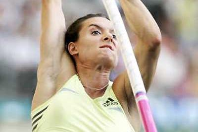Yelena Isinbayeva - 4.76m in Paris (Getty Images)