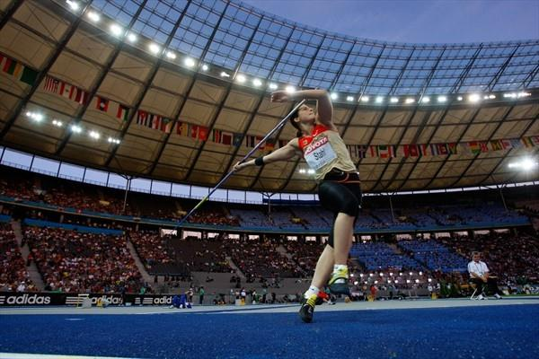 Linda Stahl unleashes a 66.81m career best to take European gold (Freelance)