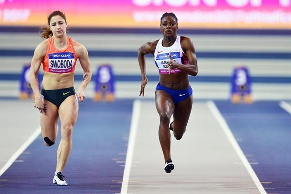 Ewa Swoboda and Dina Asher-Smith in action over 60m (Getty Images)
