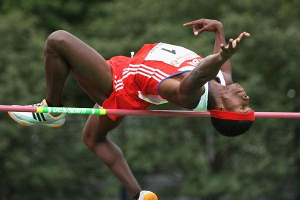Cuba's Leonel Suarez clearing 2.14m in Ratingen (Getty Images/Bongarts)