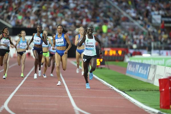 Francine Niyonsaba takes a big 800m win in Lausanne (Giancarlo Colombo)