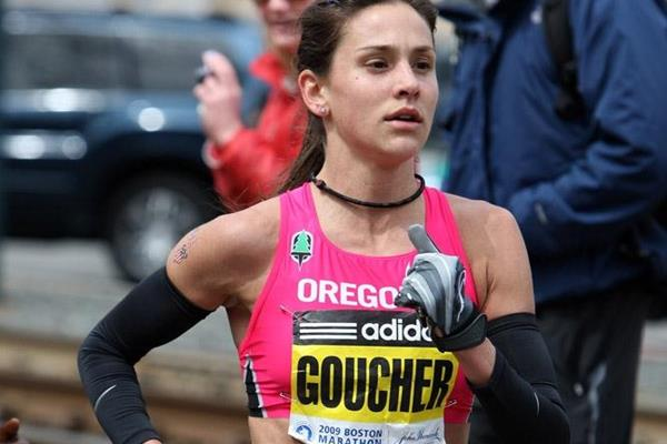 Kara Goucher en route to her third place finish in Boston in 2009 (Victah Sailer)