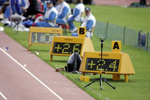 SEIKO - State-of-the-art wind measurement for track and field uses ultra-sonic technology ((c) PHOTO KISHIMOTO)