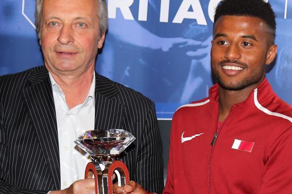 Diamond League CFO Petr Stastny and Qatar's Owaab Barrow (IAAF)