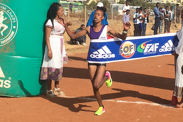 Zeineba Yimer wins the women's race at the Ethiopian Half Marathon Championships (Abiy Wendifraw)
