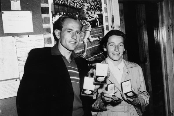 Emil Zatopek and Dana Zatopkova with their Olympic gold medals (Getty Images)