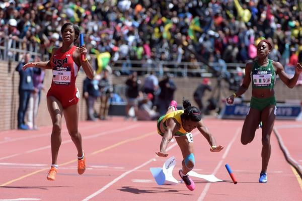 Porscha Lucas winning the 4x200m for the USA at the 2015 Penn Relays (Kirby Lee)