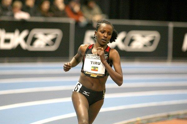 World indoor record bound - Tirunesh Dibaba in Boston (Victah Sailer)