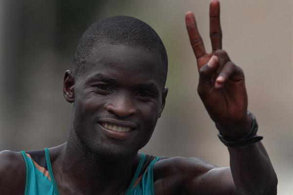Abel Kirui celebrates winning his second World Marathon title (Getty Images)