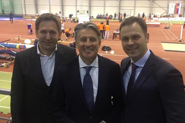 IAAF President Sebastian Coe (c) with Serbian Athletics President Veselin Jevrosimovic (l) and Belgrade Mayor Sinisa Mali (r) (IAAF)