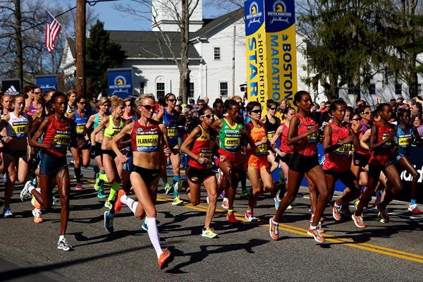 The women's race gets under way in Boston (Getty Images)