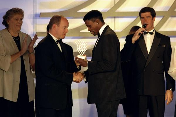 Carl Lewis receives the Athlete of the Century award (Getty Images)