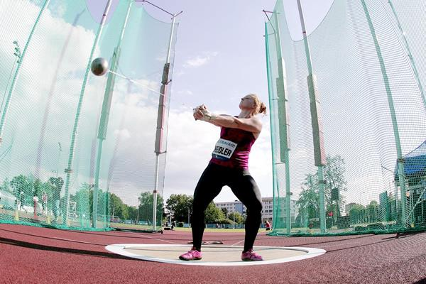 Betty Heidler on her way to winning the hammer in Ostrava (Pavel Lebeda / sport-pics.cz)