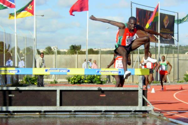 Paul Kipsiele Koech en route to the African title in Mauritius (Mark Ouma)