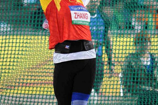 Zhang Wenxiu reaches 73.49m to win the Hammer Throw at the pre-Champs meet in Daegu (Tsutomu Kishimoto)