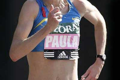 Paula Radcliffe running in the 2005 Flora London Marathon (Getty Images)