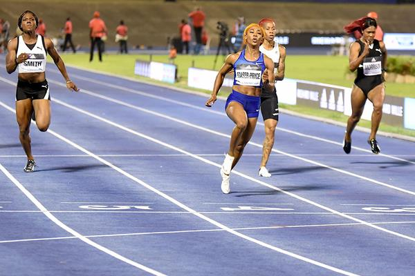 Shelly-Ann Fraser-Pryce wins the 100m at the Racers Grand Prix (Anthony Foster)