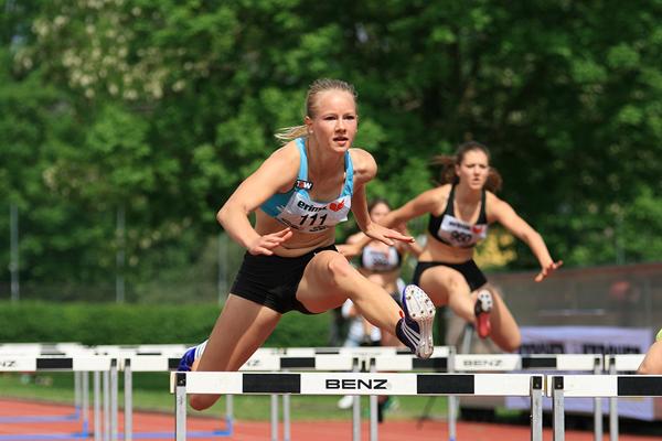 Austrian heptathlete Sarah Lagger in the 100m hurdles (Hannes Riedenbauer/Austrian Federation)