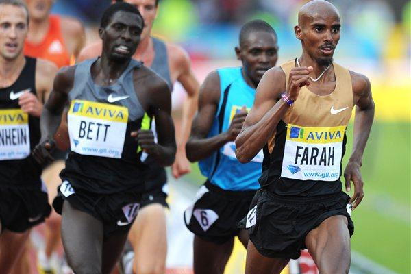 Mo Farah heads the 5000m field in Crystal Palace (Mark Shearman )