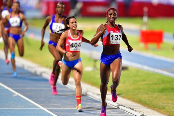 Rosemary Almanza takes the 1500m to clinch the CAC Games middle distance double in Baranquilla (AFP/Getty Images)