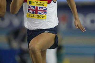 Jason Gardener (GBR) powers away to the win in Glasgow (Getty Images)