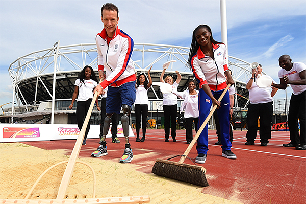 Richard Whitehead and Dina Asher-Smith at the launch of the volunteer programme for the IAAF World Championships London 2017 (LOC)